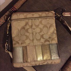 😋Used Coach envelope bag 😋